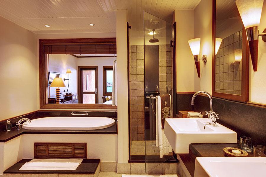 Heritage Awali Deluxe Bathroom